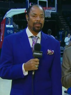 "Grading Walt ""Clyde"" Frazier's suits one game at a time"